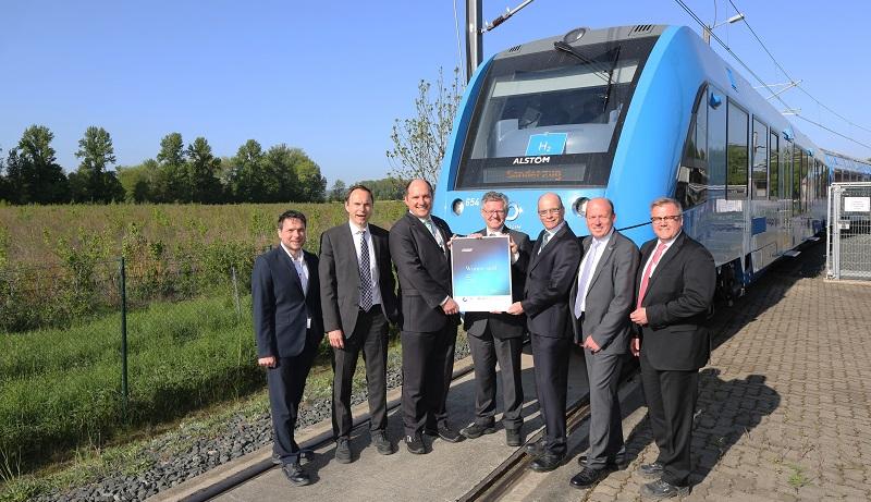 Alstoms hydrogen fuel cell train wins 2018 GreenTec Mobility Award