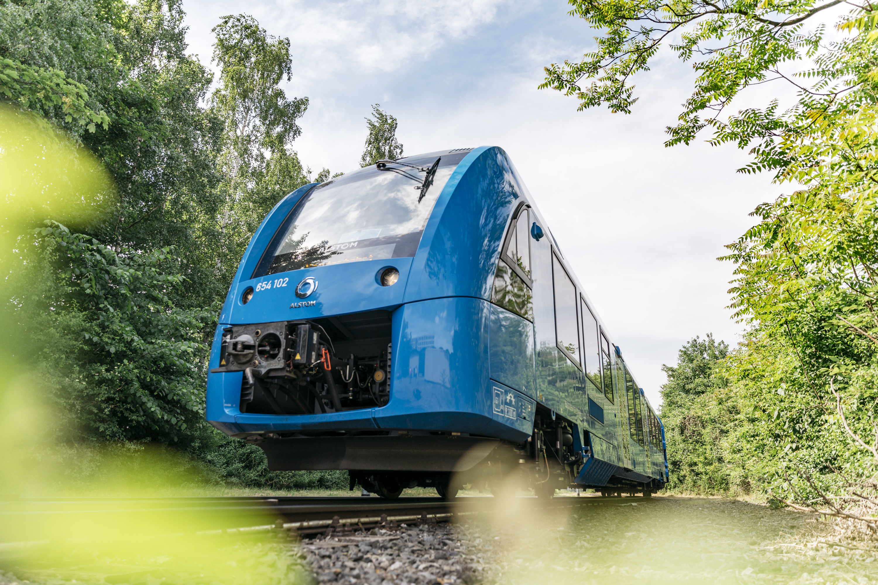Successful year and a half of trial operation of the world's first two hydrogen trains, next project phase begins