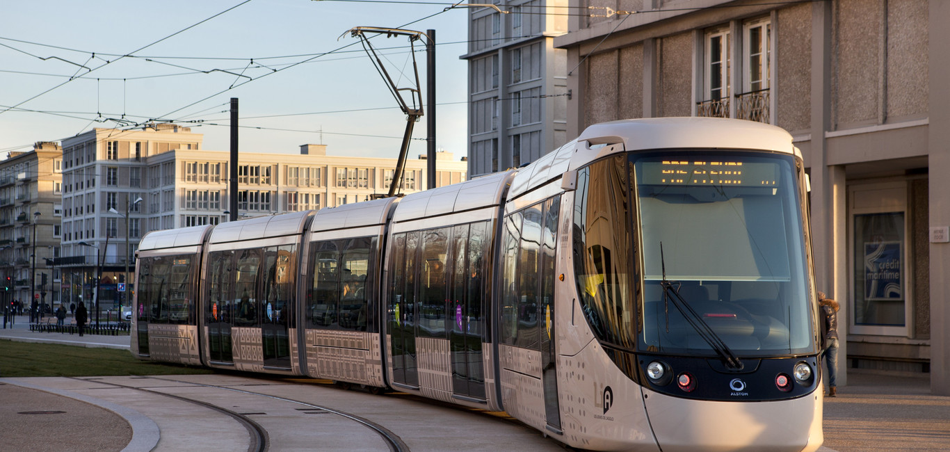 Alstom Citadis Le Havre circulating in the city center