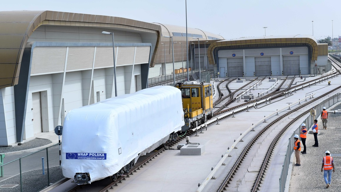 Alstom delivers first Dubai metro trainset on time