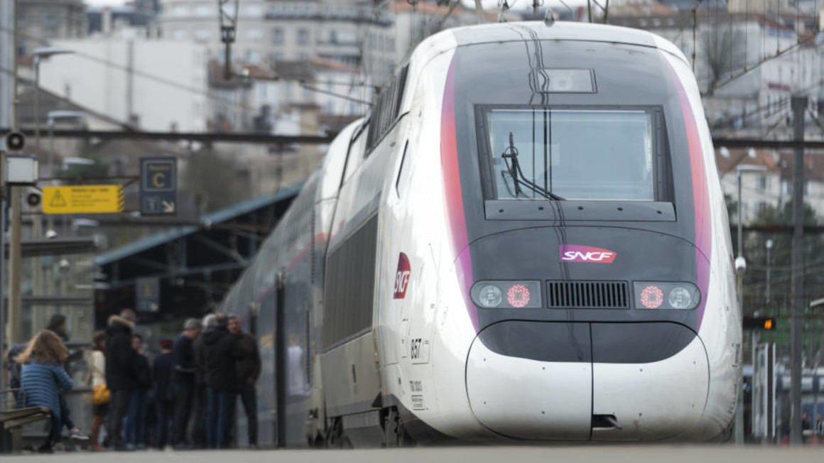 Alstom to supply 12 Avelia Euroduplex trains to SNCF for the TGV ...