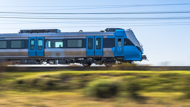 600 commuter trains for South Africa