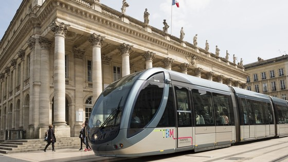 APS: Service-proven catenary-free tramway operations
